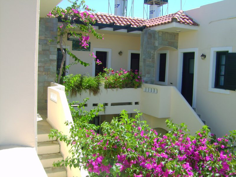 Julies Studios Kokkini Hani, vacation rental in Heraklion