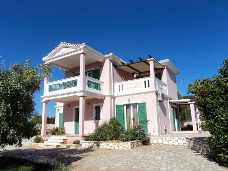 Charming luxury villa Danae - panoramic sea view, holiday rental in Fterno