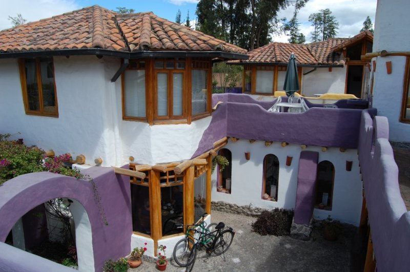 CASA OLIVIA. LOVELY HOUSE FOR SHORT/LONG RENTAL. TUMBACO - QUITO., holiday rental in Conocoto