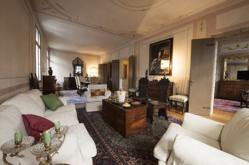 Luxury apartment in Asolo's central square, holiday rental in Monfumo
