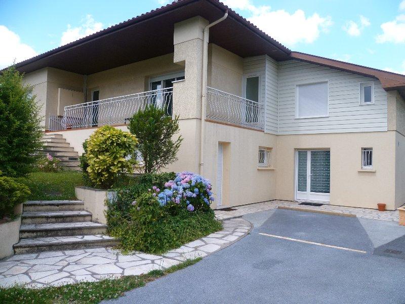 Appartements T1 de Bordeaux Pessac Meublés Équipés, holiday rental in Cestas