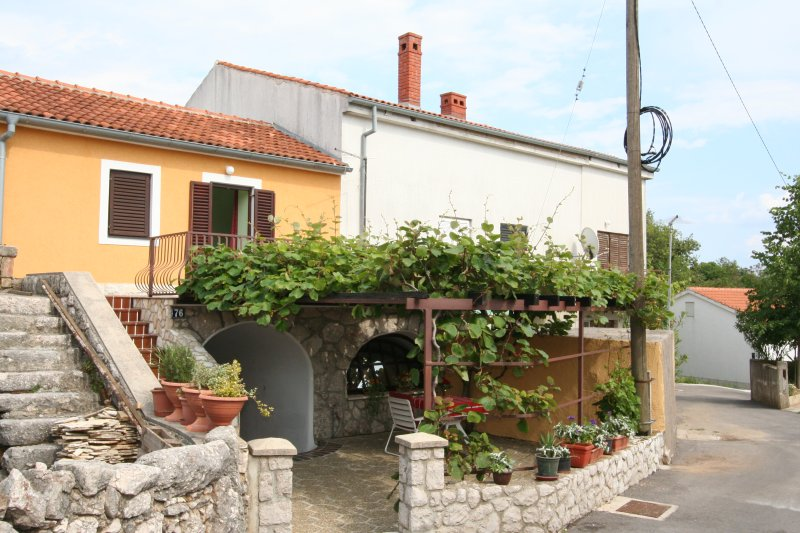 House Prpic, casa vacanza a Vrbnik
