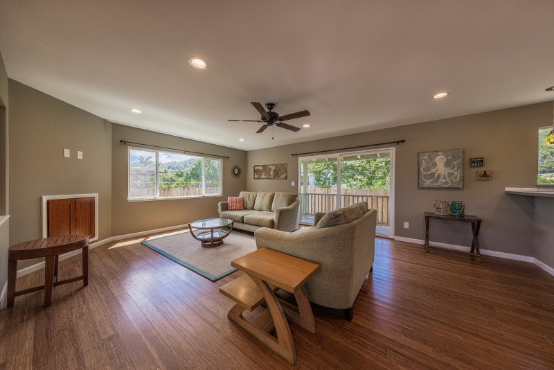 Family room opens to lanai