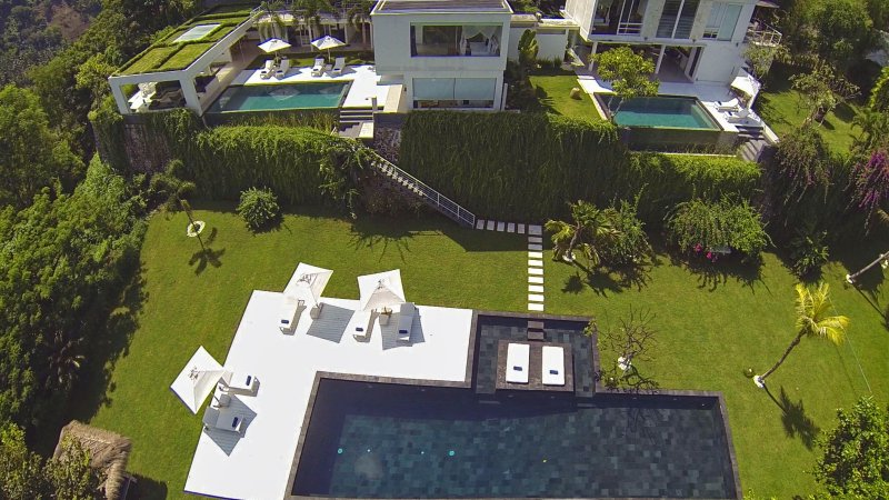 Villa L Lombok |Luxury 5 bdrm|Sea view, vacation rental in Lombok