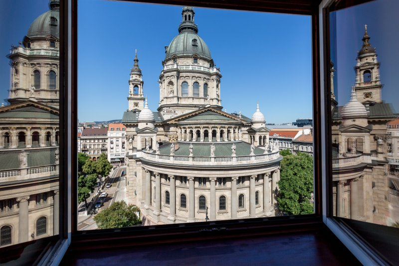 BASILICA ATTIC: AMAZING VIEW & HISTORICAL CHARM - 2 BEDROOMS, 2 BATHROOMS, vacation rental in Solymar