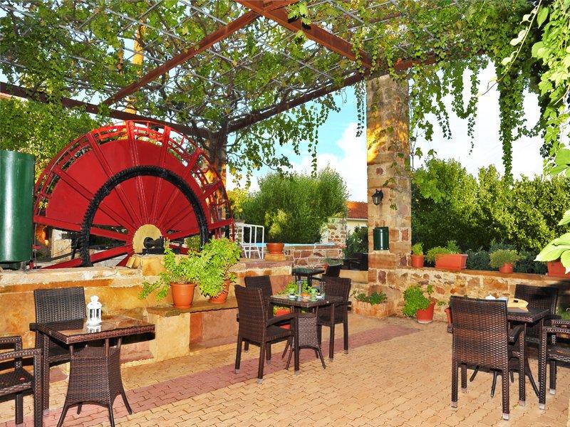 Voulamandis House Chios Hotel, location de vacances à Komi