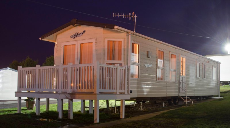 Weymouth bay breaks offer a Platinum grade, 3/4 bedroom Caravan, Sleeps up to 8. C/Heated & D/Glazed