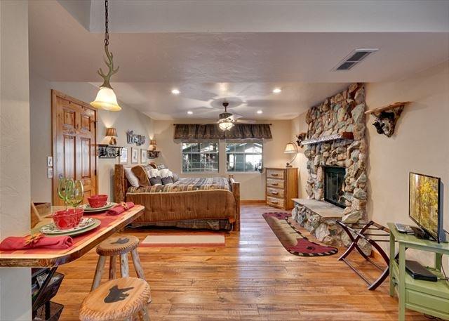 Cozy Tahoe Keys, 4 Bedroom in a quiet neighborhood (TK726), vacation rental in South Lake Tahoe