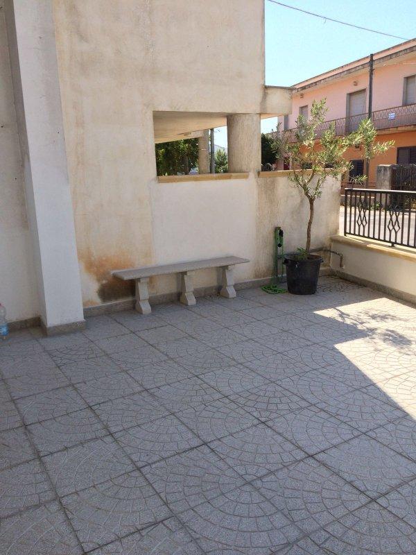 Terrace avant