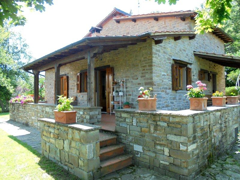 Casa Conny - Villa indipendente con giardino, holiday rental in Quota