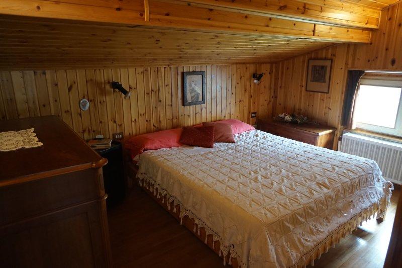 Mansarda Regina in Valtellina, holiday rental in Chiuro