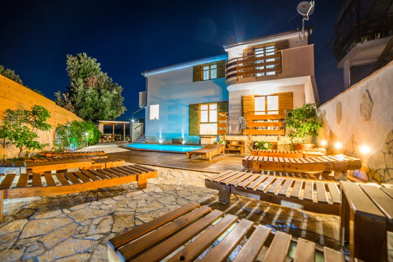House for rent LEONEO, vacation rental in Pula
