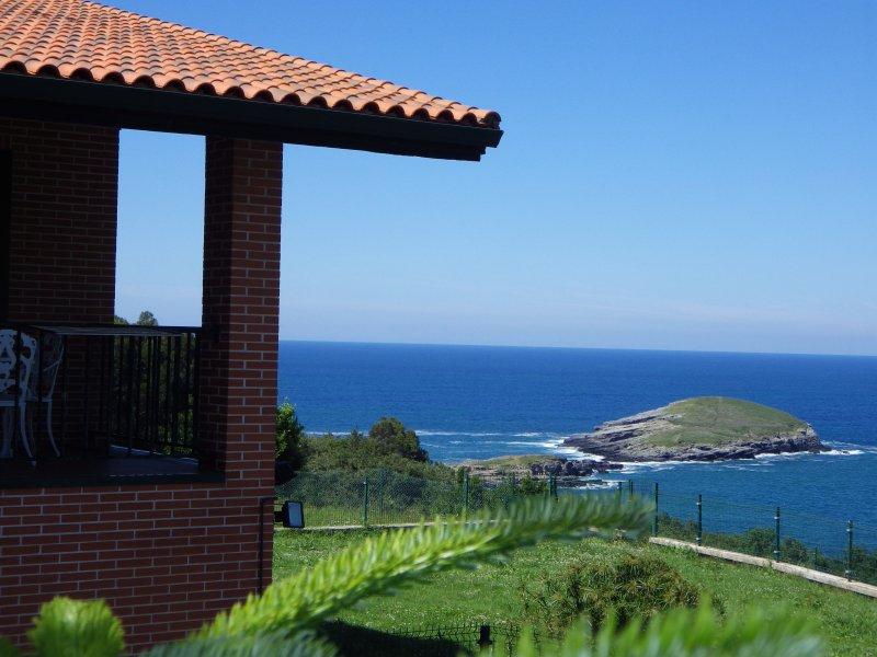 Villa La Ballena de Sonabia, holiday rental in Cantabria