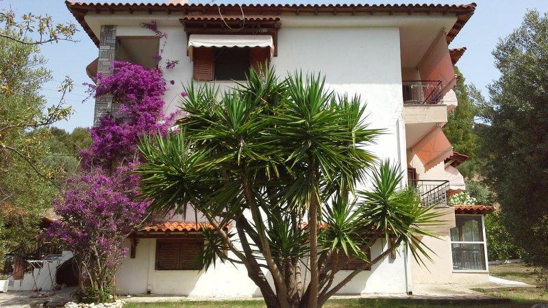A lovely place for your holidays!, aluguéis de temporada em Paradisos