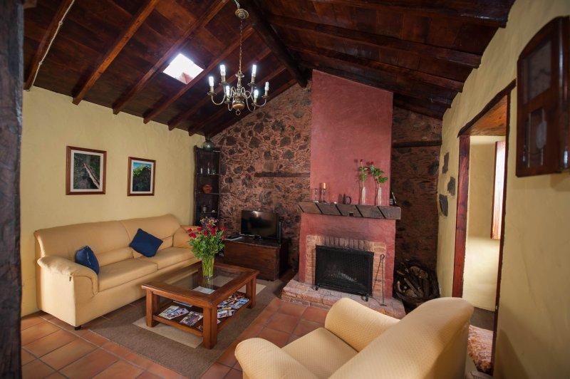 CASA RURAL CASA VIDAL, vacation rental in Guia de Isora