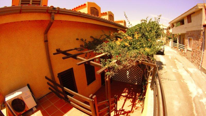 Casa sulla spiaggia Porto Alabe  I.U.N.  P3187, holiday rental in Sardinia