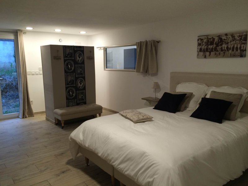 CHAMBRE ROMANCE, holiday rental in Beaumont Pied De Boeuf