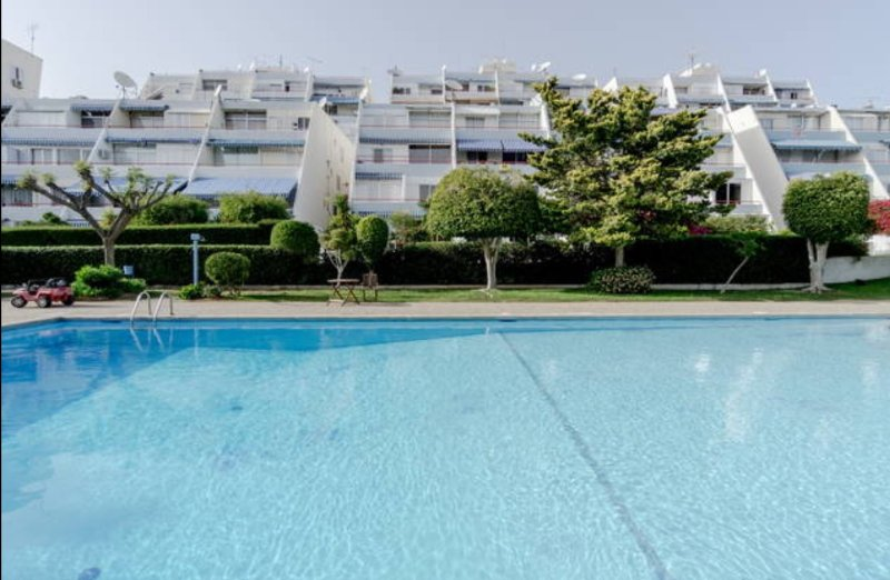 Amathusia beach LA 23 closed to Four Seasons hotel, vacation rental in Kolossi