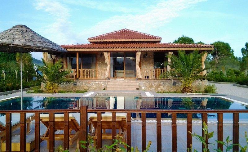 Villa isolée spacieuse avec piscine privée