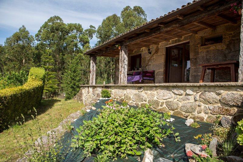 Casa Rio Vilar 2, vacation rental in Porto do Son