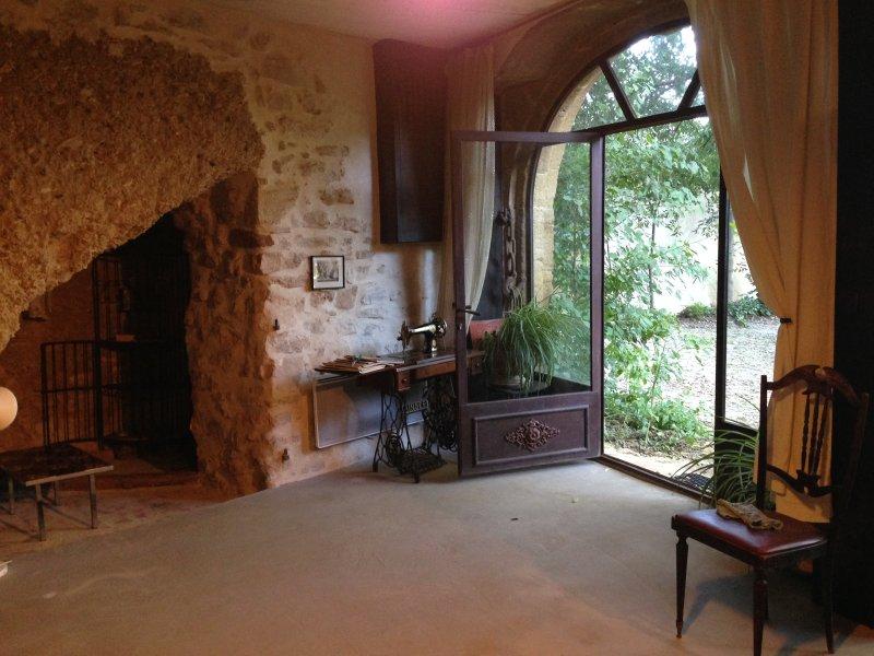 maison troglodyte pour les vacances, holiday rental in Vacqueyras