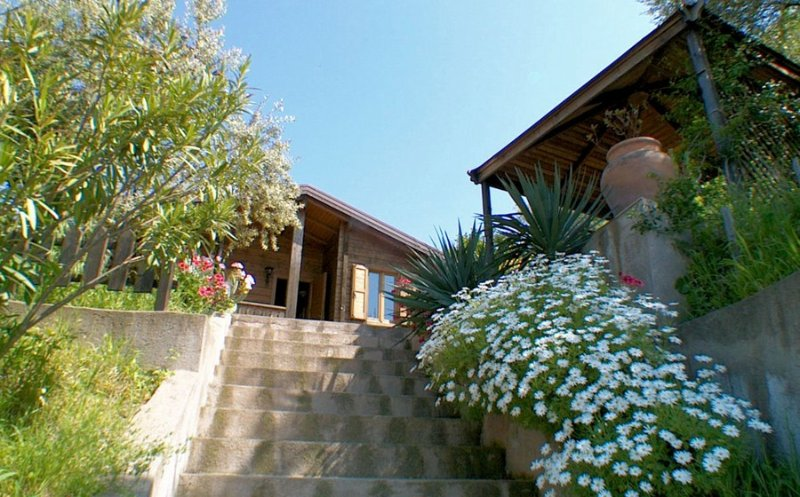 Chalet Tartufo - Mare d'amare, vakantiewoning in Capo d'Orlando