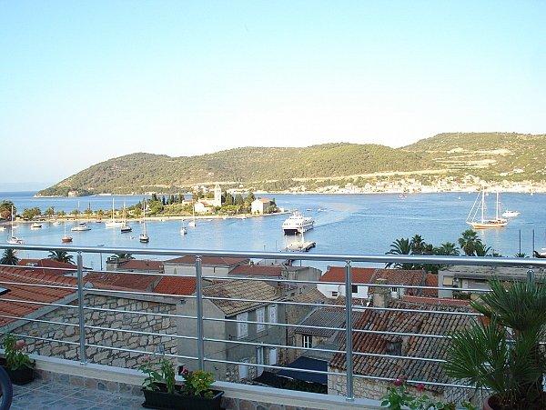 Big balcony & Beautiful view