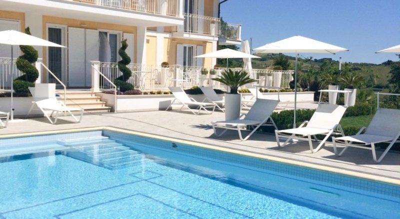 Residenza delle Grazie - Camera 2, holiday rental in Castignano