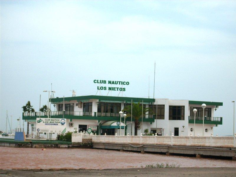 Yacht Club del resort con corsi per tutte le età.