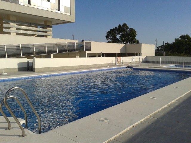 Piscine. communal piscine extérieure. Ouvert du 1er Juin au 15 Septembre 11 à 23 h