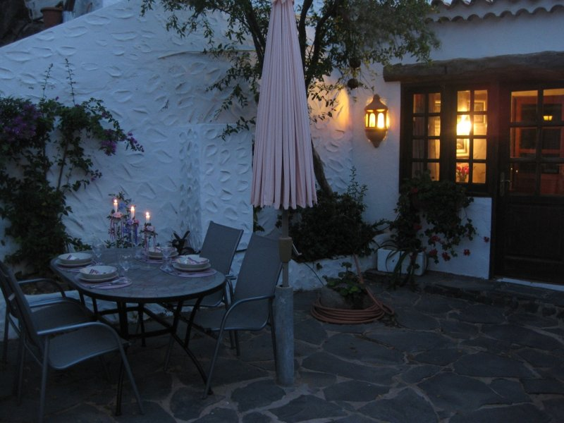 CASA ROCA Guesthouse in Fataga 2-4 persons, vacation rental in Fataga