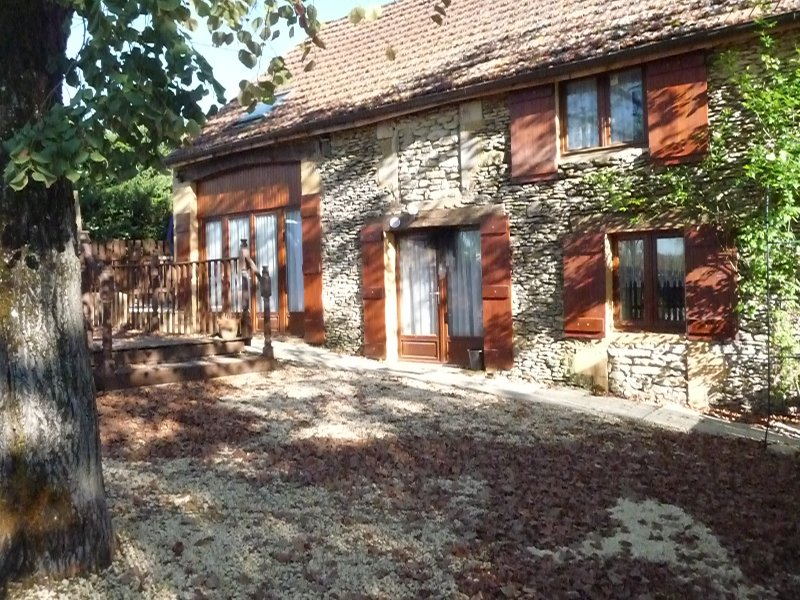 Nicotiana 4 Bed Barn in Sunny SW France for rent, vacation rental in Gourdon