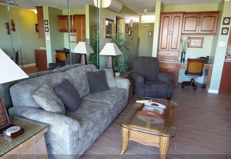 Spacious living area to relax after your exciting day on Maui!