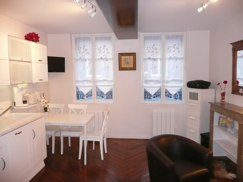 Apartment historic center of Honfleur 2 mns from the Vieux Bassin!