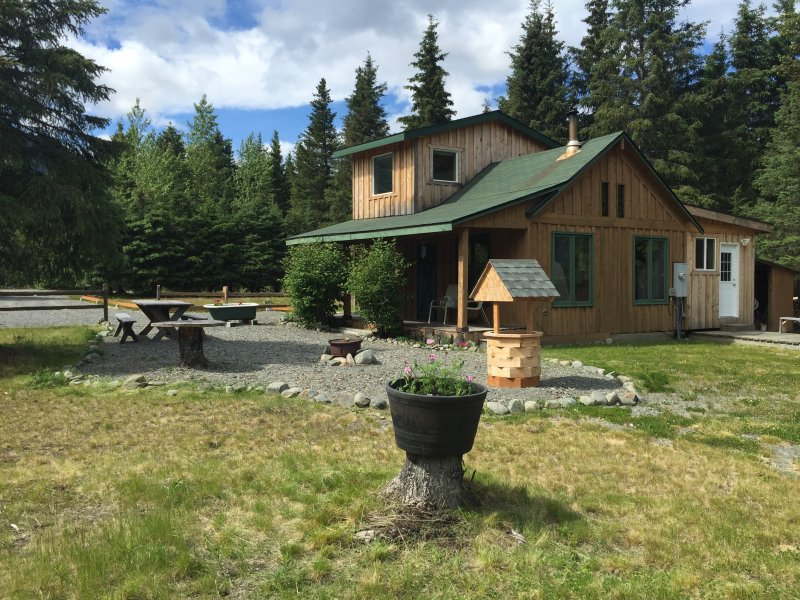 Come stay in our private cabin, with gorgeous views of the mountains.