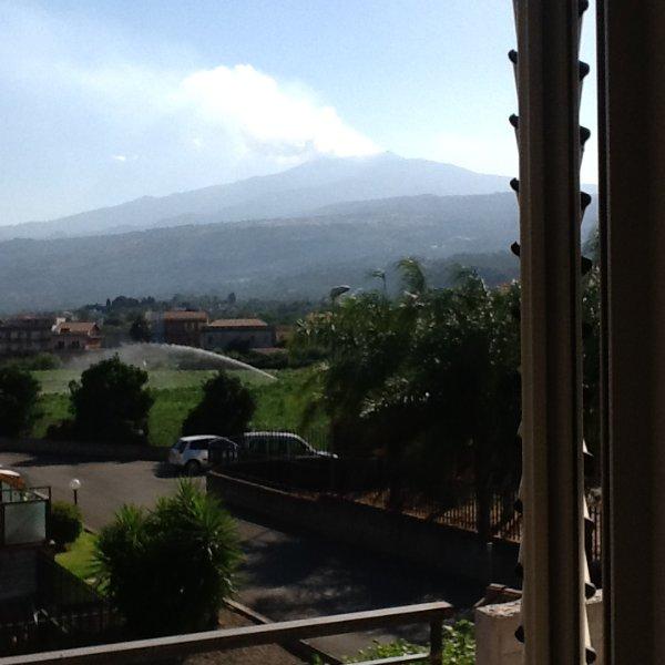 Nuovo  appartamento tra Etna e Taormina, holiday rental in Fiumefreddo di Sicilia