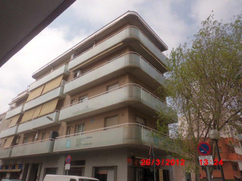 Bright apartment near center Barcelona, vacation rental in Sant Adria de Besos