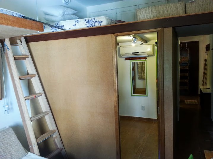 STAIR to Upper Beds and to MEZANINE over microSUITE.