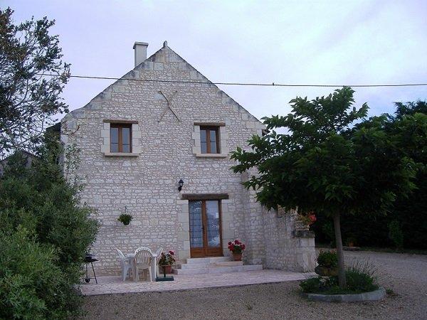 GITE DE 6/P.PISCINE .au coeur de la Loire Valley, holiday rental in Chaveignes