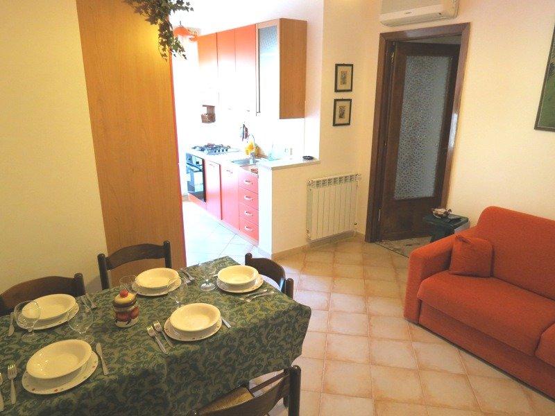 Appartamento Donatella- mq. 85 con ascensore, aria condizionata, wi-fi gratuito, alquiler vacacional en Landro