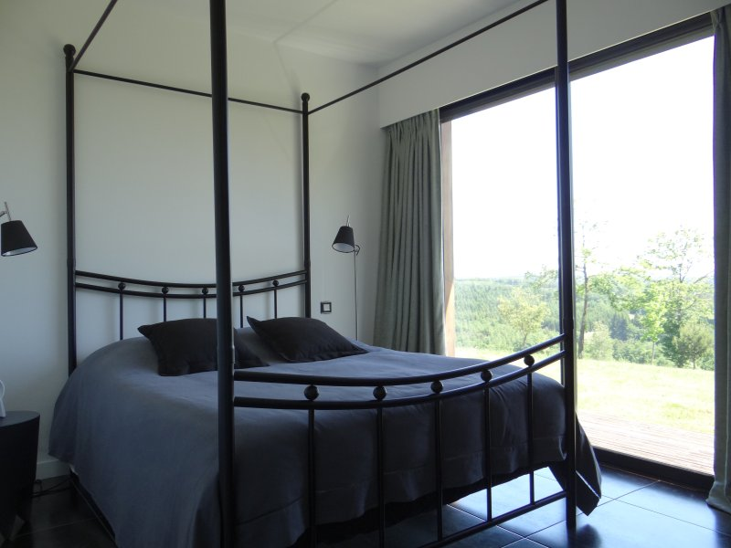 The suite with panoramic views. 140x200 bedding
