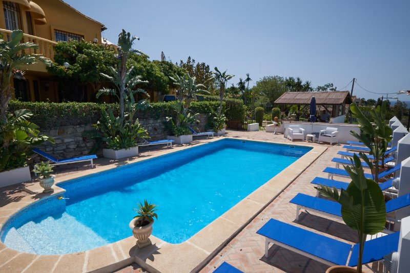 Private villa with poolside bar ( stocked for your arrival ), Poolside BBQ, Poolside TV Sports.
