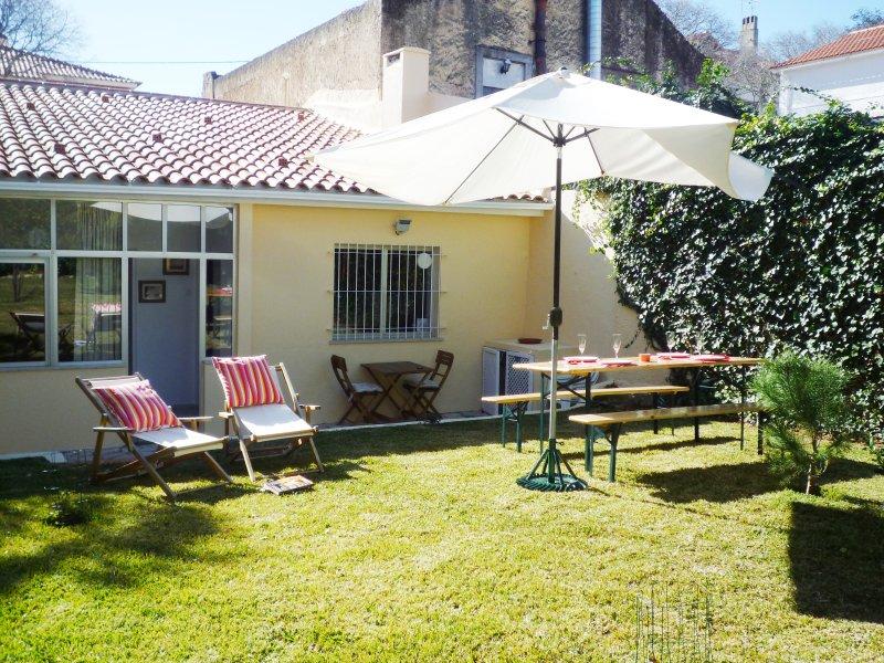 Cascais center house with garden