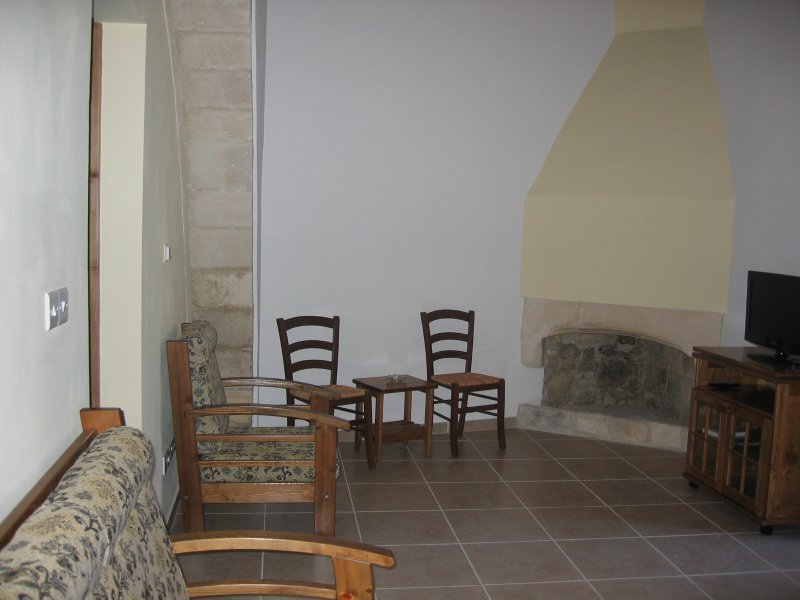 Omodos Katoi Holiday Cottage, holiday rental in Pano Platres