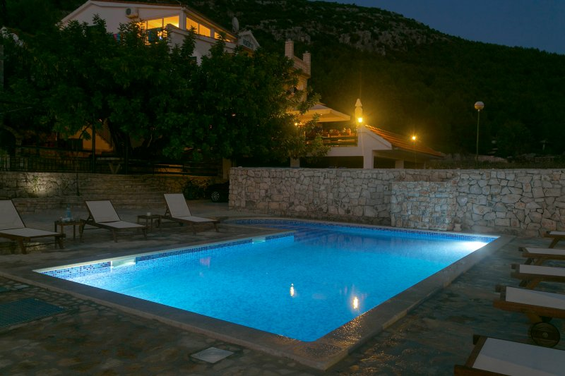 Top Seaview Apartment, vacation rental in Hvar
