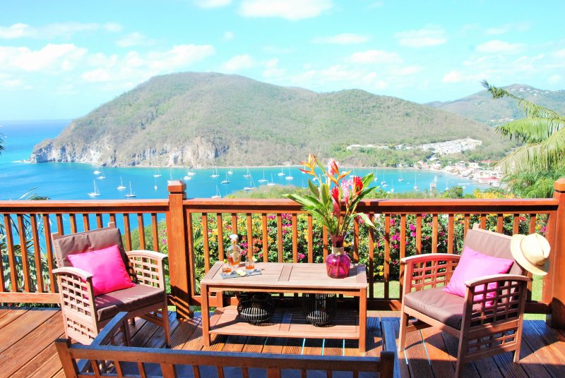 The most beautiful bay of Guadeloupe ... for one opposite!