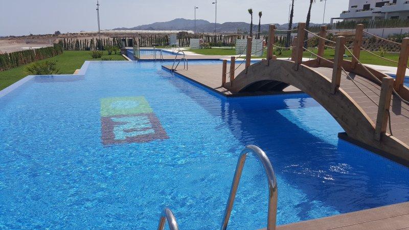 Mar de Pulpi 27 (Las Jazmines) Luxury apartment only 2 mins walk to beach, holiday rental in San Juan de los Terreros