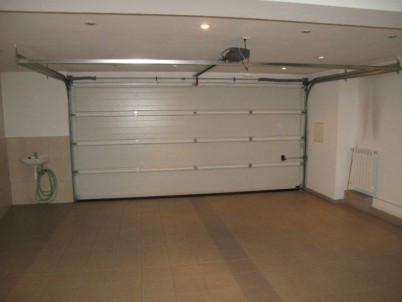 The garage (2 cars)