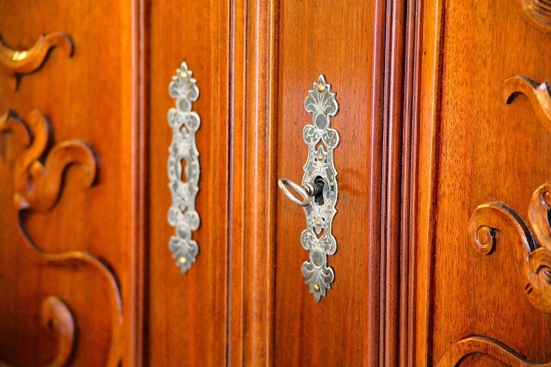 Detail in the wardrobe