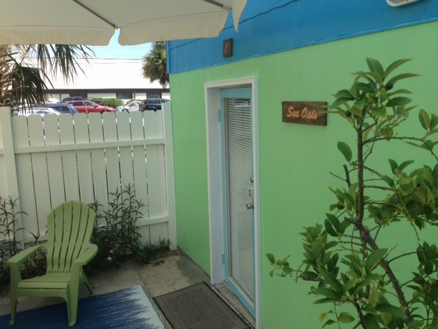 Front entrance to the Sea Oats Studio